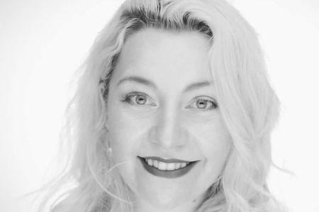 Teacher Lynne Lambert (Online)