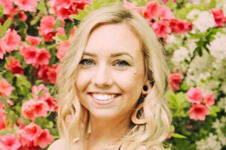 Teacher Samantha Henri (Online)