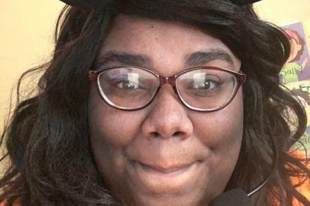 Teacher Shaniqua Holmes (Online)